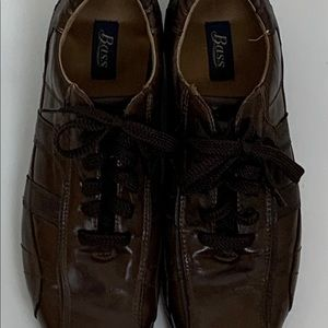 Brown Bass Nelson Oxfords.